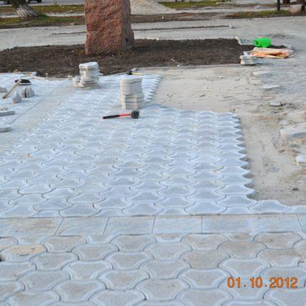Укладка тротуарной плитки «Бикини»