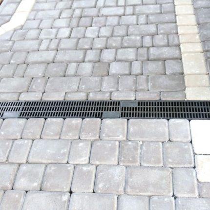 Укладка тротуарной плитки «Старый город» в частном доме 350 м?, Обуховка